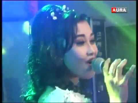 KELANGAN - Devi T - CAMELIA Music  Live in Sekarjalak 2015 - YouTube.mp4