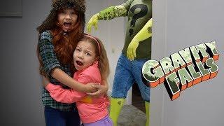 МЭЙБЛ И ВЭНДИ СПАСАЮТСЯ ОТ ЗУСА! Последние воспоминание Гравити Фолз в реальной жизни Gravity Falls