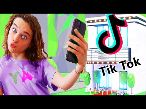 WHO MAKES the BEST TIKTOK HOUSE WINS in Roblox Adopt Me Gaming w/ The Norris Nuts