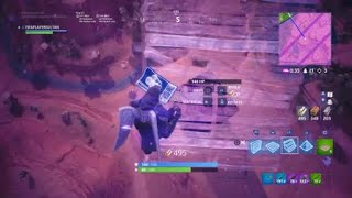 MASSIVE CUBE SPAWNS AFTER CRACK IN SKY DISSAPEARS FORTNITE!!!!!!!