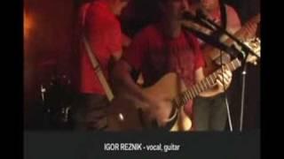 псевдоним - автобус без стекла(Gryppa psevdonim v NY. Aug 26, 2008 группы которые мы любим: Сплин, Zемфира, Снайперы, Зимовье зверей, Мельница, Radiohead, Muse,..., 2008-08-20T17:10:47.000Z)