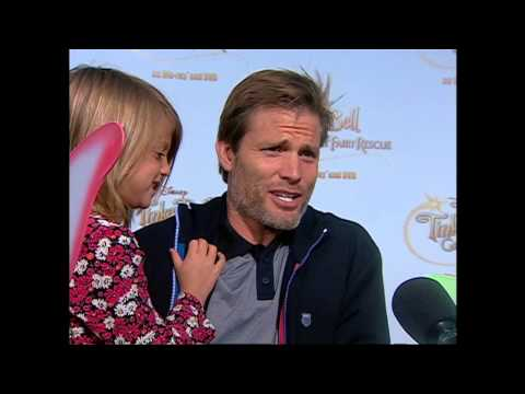 Tinker Bell and the Great Fairy Rescue: Casper Van Dien Premiere Interview