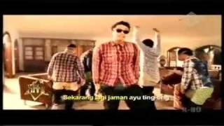 Video Bruno Mars feat Ayu Ting Ting - Demam Ayu Ting Ting download MP3, 3GP, MP4, WEBM, AVI, FLV Januari 2018