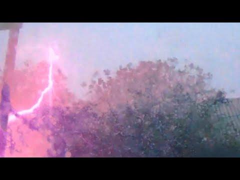 Сильная ночная гроза, майские грозы 2020 год. Молния, гром, ливень, эпицентр грозы.