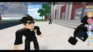 Roblox High School :-; The FBI Tried to get me for some reasons
