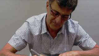 Mario Kempes signs for Soccer Icons