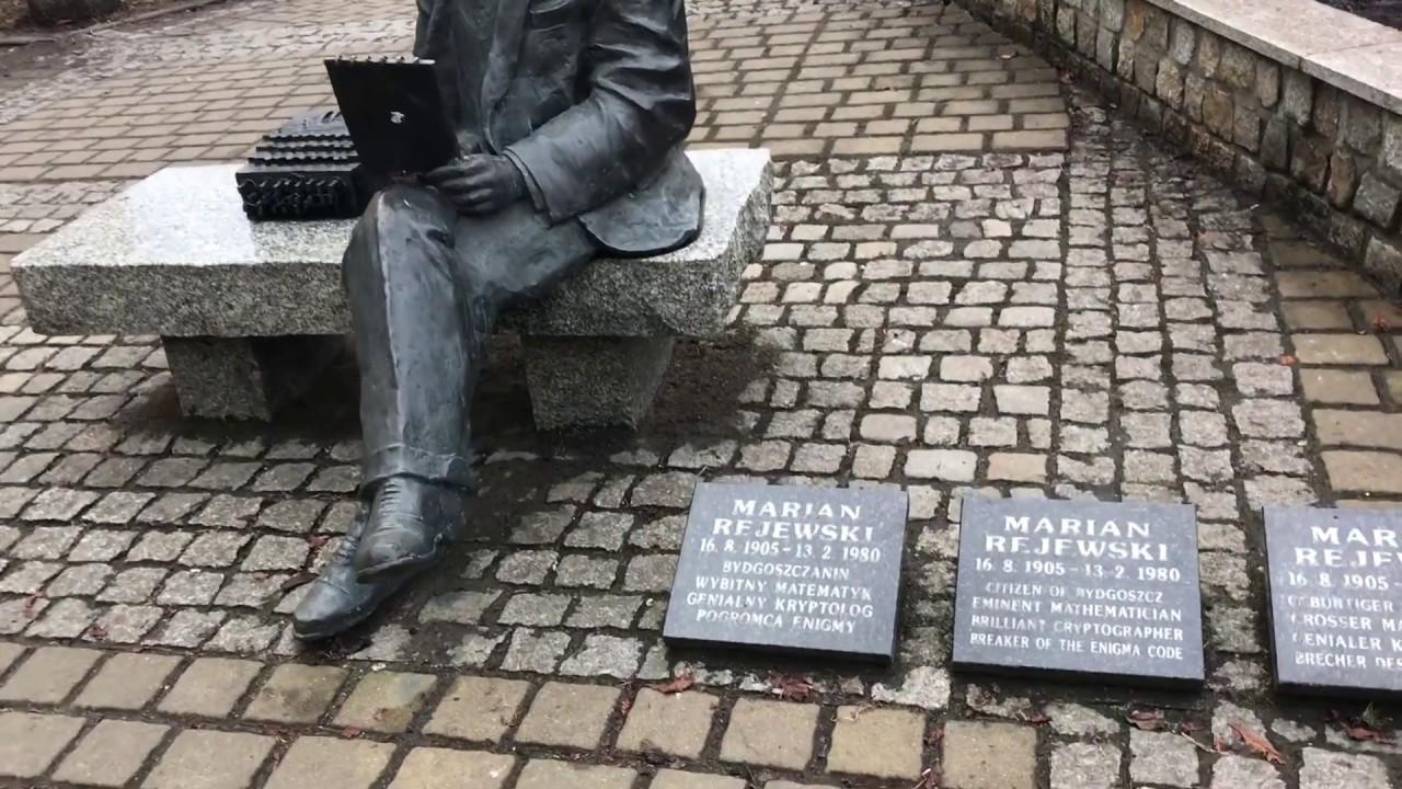 PATRIOT24 HISTORIA: Rozszyfrował Enigmę. Marian Rejewski uhonorowany w centum Bydgoszczy