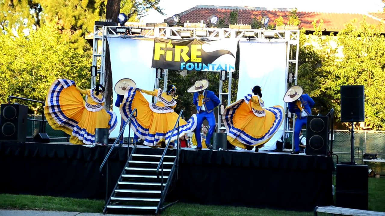 SJSU s Fire on the Fountain event Mexican Traditional Dance