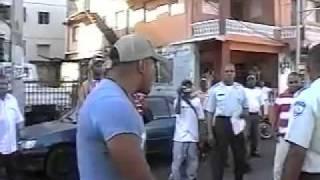 Motorista se rebela contra policías de AMET Stgo. De Los Caballeros, Rep. Dominicana. By EROXTH