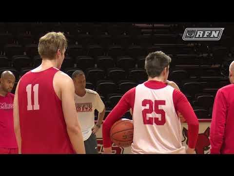 Men's Basketball's Freshman Williams Starting Strong in First Season