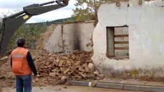 Video Demolicion de la Casa en Arturo Prat 900, Florida..wmv (fuerte audio original)