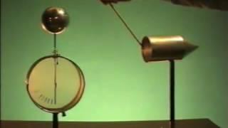 Влияние кривизны поверхности на плотность заряда