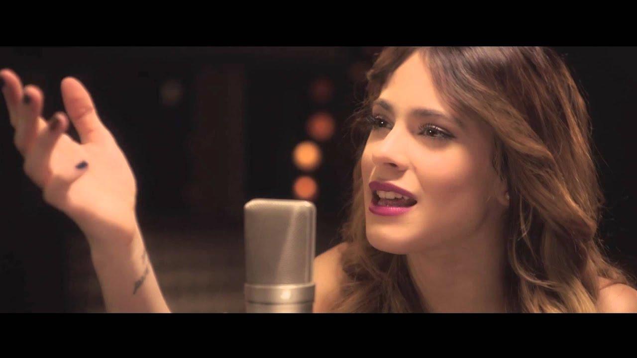 ... : Una Aventura Congelada - Libre Soy - Martina Stoessel - YouTube