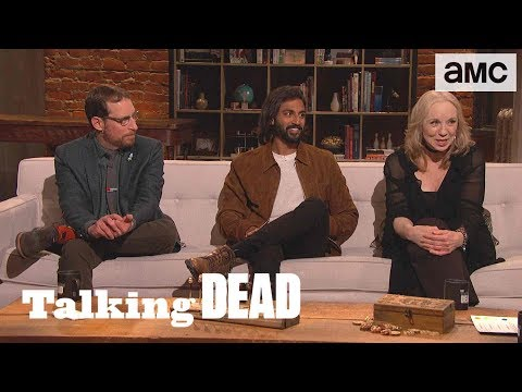 'How Do the Whisperers Travel w/ the Dead Unnoticed?' Fan Questions Ep. 915   Talking Dead