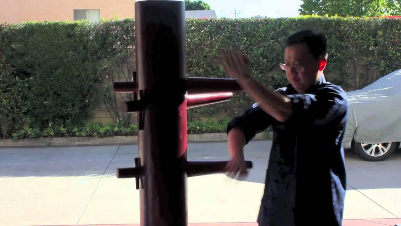 Wing Chun Wooden Dummy Practice