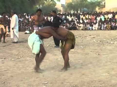 Zahid Rajpar reports from Nosheroferoz about Malakhro (traditional sindhi wrestling) samaa tv