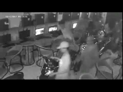 Video Rekaman Detik Detik Gangster Pamulang Nyerang Warnet