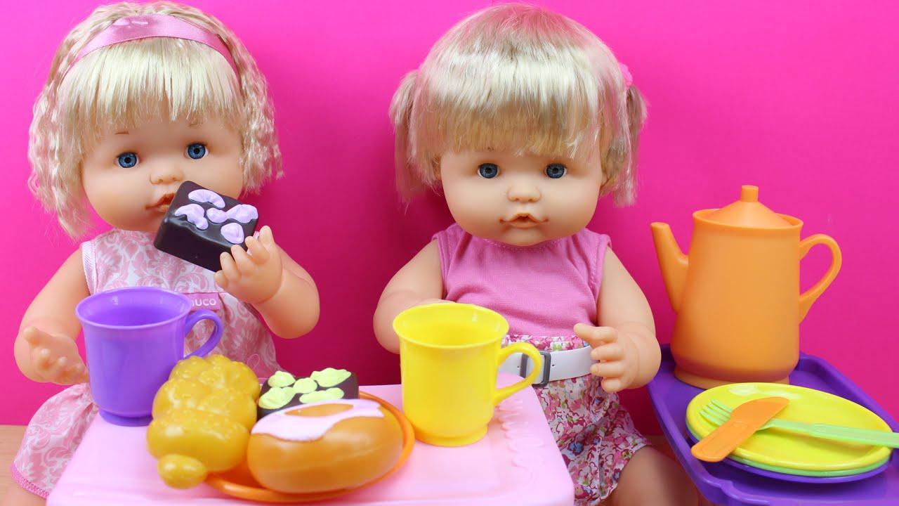 Comiditas de juguete para mu ecas las beb nenuco meriendan leche y pasteles juguetes de - Cocina de nenuco ...