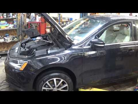 2017 VW Jetta - quick look under the hood and underneath