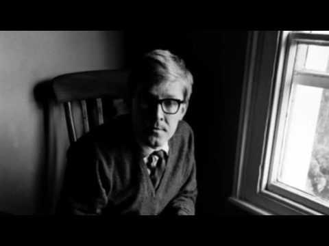 Alan Bennett - T. E. Lawrence
