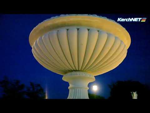kerchnettv: В Керчи тестируют подсветку нижних ярусов Митридатской лестницы