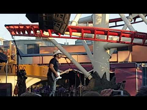 Brad Paisley - This Is Country Music - Gröna Lund Theme Park, Stockholm, Sweden 07/25/2017