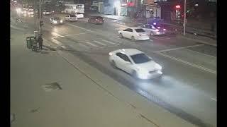 Драка с грабежом в одном из кафе Нур-Султана попала на видео