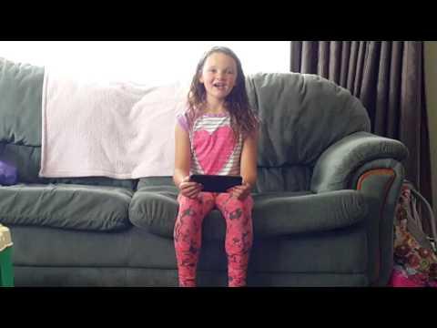 Emma-lee singing flashlight