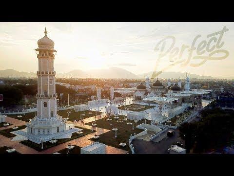 Megah - Mesjid Raya Baiturrahman Banda Aceh - Baiturrahman Grand Mosque