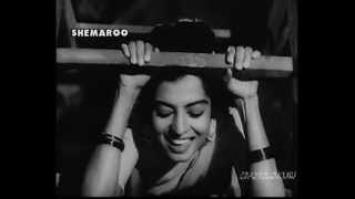 AANKHON MEIN KYA JEE -  ASHA BHONSLE-  KISHORE KUMAR -MAJROOH -SD BURMAN ( NAU DO GYARAH  1957)