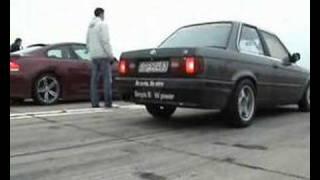 BMW M6 Hamann Vs. BMW E30 [M5] Drag Race [1/4 Mile]