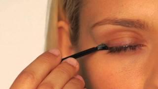 Как использовать Careprost® на примере с Latisse(При нанесении Карепрост будьте осторожны и аккуратны, так как при попадании Careprost на другие участки кожи,..., 2011-11-11T12:38:20.000Z)