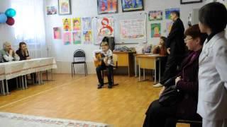 Вова дарит бабушкам на 8-е марта песню