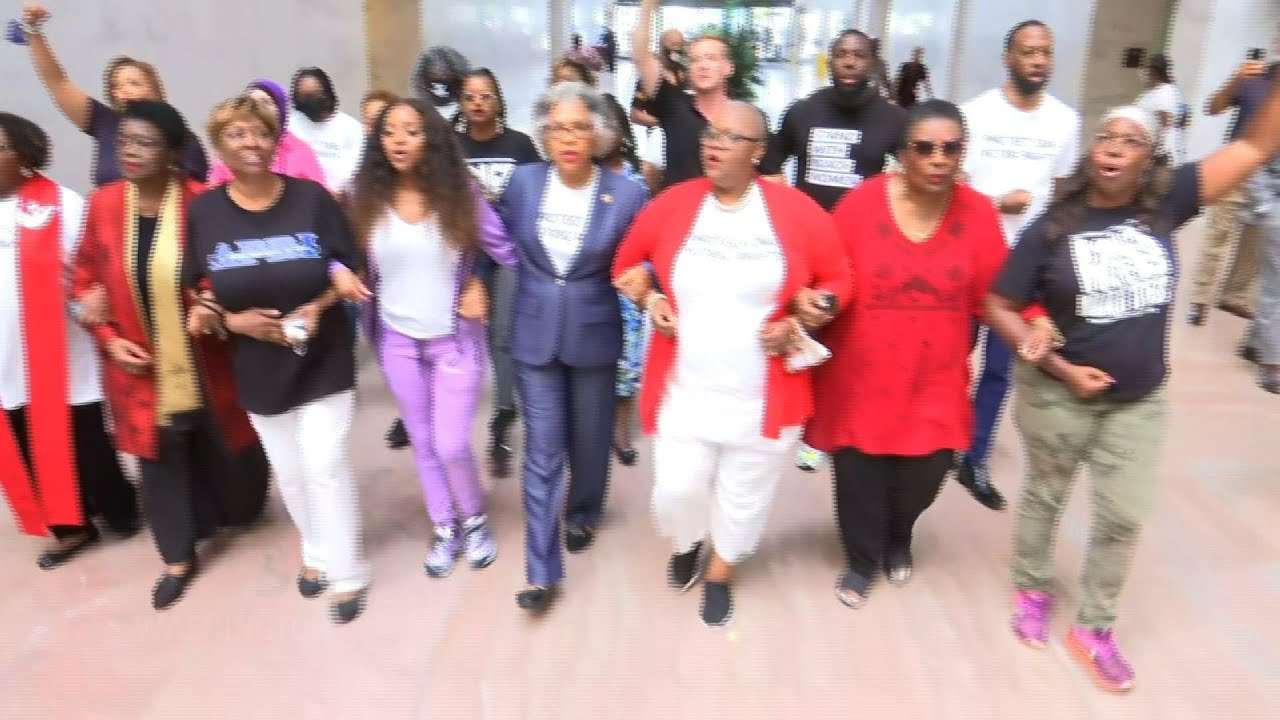 Congresswoman Joyce Beatty arrested while protesting on Capitol Hill