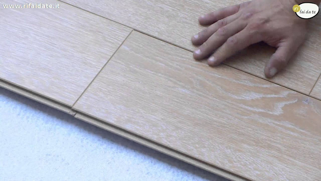 Come posare parquet laminato youtube for Finto parquet ikea