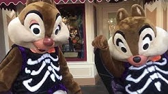Spooky CHIP and DALE come out to play! // Disneyland