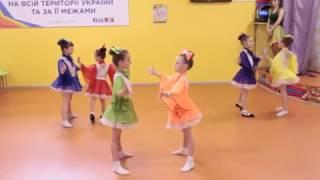 смотреть видео танцы для детей 11 лет. В Мире Детей!