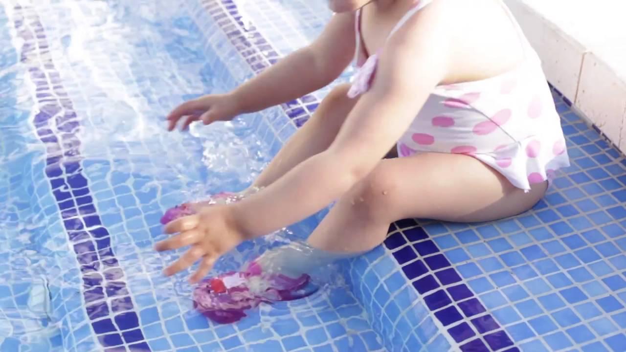 Cangrejeras para ni a peppa pig sandalias de goma beb for Piscina bebe con parasol