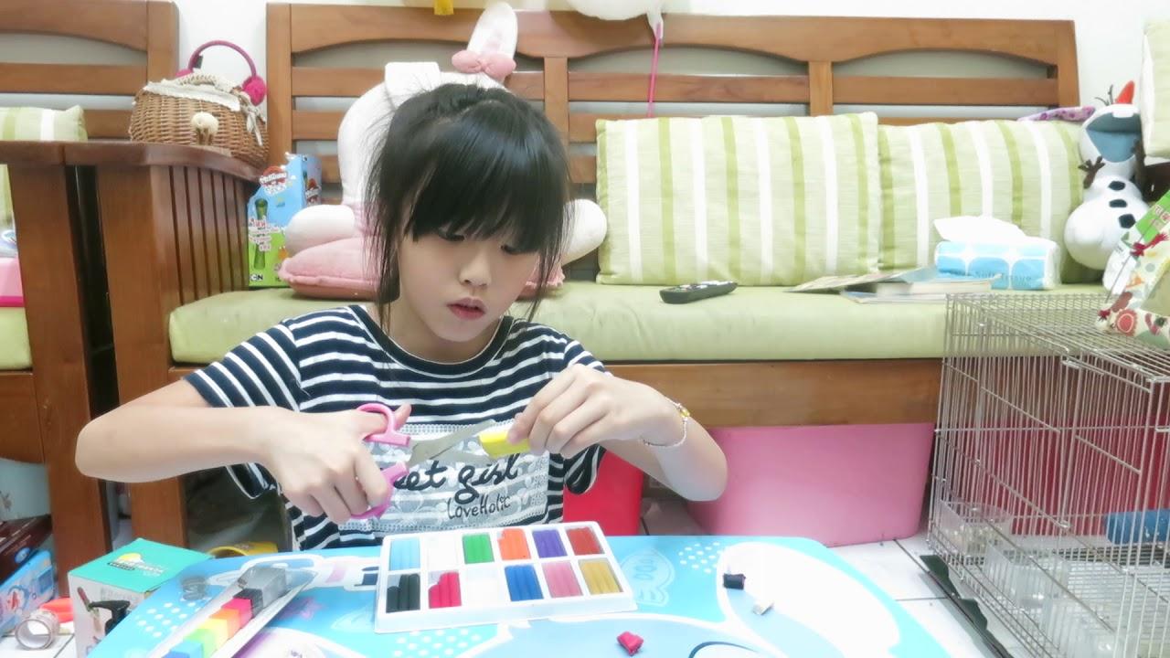 寶貝日記(小牛妹妹介紹去台北101買的紀念品)MVI 9044