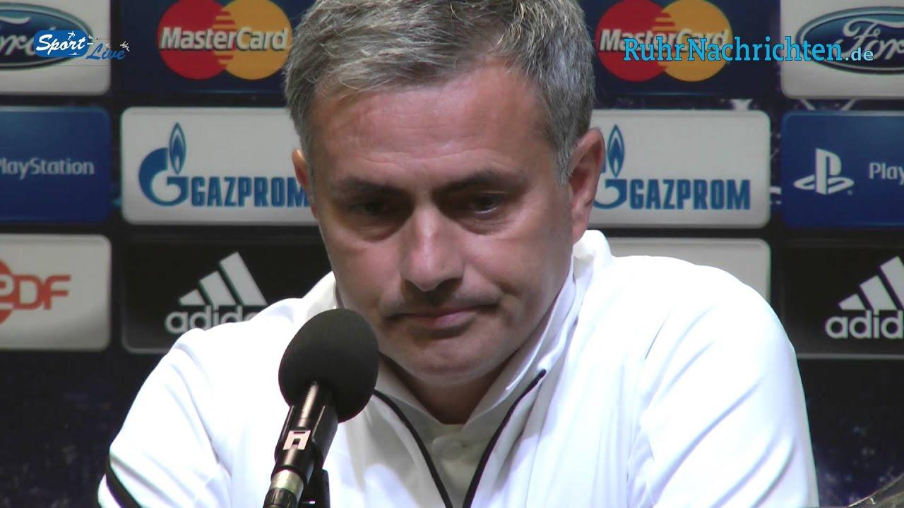 Borussia Dortmund - Real Madrid: Jose Mourinho im Gespräch