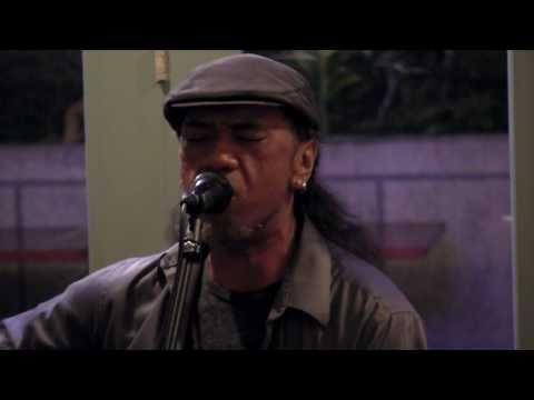 Keli'i Kaneali'i & Chino Montero Live @ Ahuahu November 16, 2010 MANOA IN THE RAIN