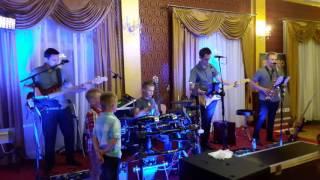 Zespół Muzyczny STEREO i gościnnie najmłodszy perkusista weselny:-)
