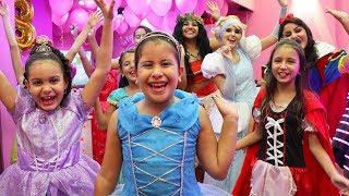 GANHEI UMA FESTA SURPRESA DIFERENTE !!! / Disney Princess Birthday Party