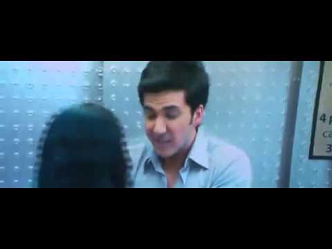Adah Sharma kiss