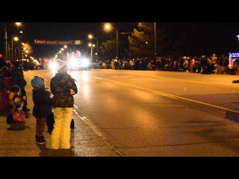 A Day In A Life Of A Average Aboriginal Nov 28 (Vlog 35) - Santa Claus Parade In Brantford