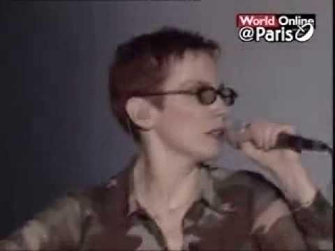 Eurythmics - I Need A Man (Live In Paris)