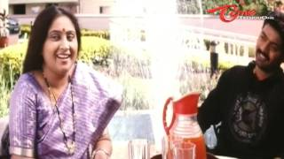 Body Builder Chandramohan Funny Feets To Impress Neighbour Aunty