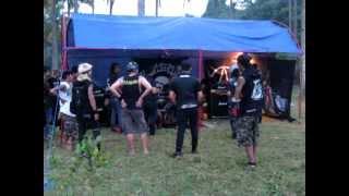 "TOTAL NGEHE - CATATAN HITAM live @ libertad fest 2011 batukaras ""bandung pyrate punx"""