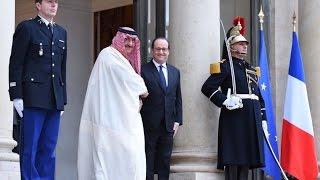 ولي عهد السعودية يبحث مع هولاند