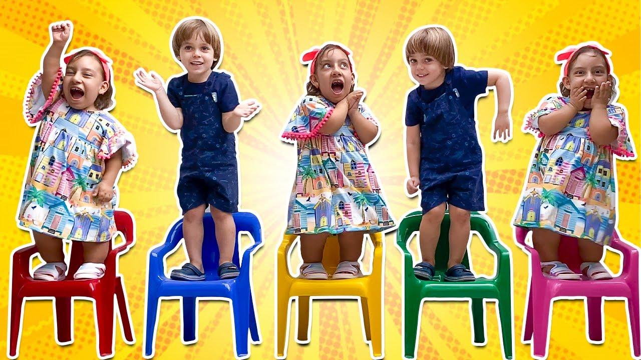 Five Little Monkeys 동요와 어린이 노래 Kids Songs Maria Clara e Rafael foram clonados - Família MC Divertida